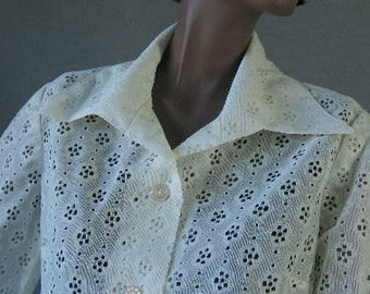 70s Shirt Vintage 1970s Eyelet Blouse Top White Lacy Poly Peekaboo Large