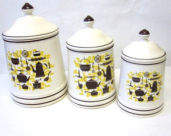 Early American Themed Canisters White Brown Yellow Canister Set of 3 Colonial
