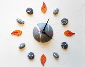 Orologio da parete grande componibile pietre e foglie Arte contemporanea Decorazione casa unica e particolare Regalo per chi ama la natura