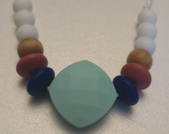 silicone teething necklace - dynamic chewelry - classical