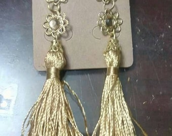 Earrings tassel