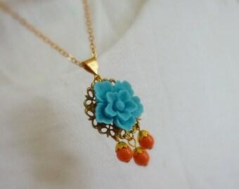 Cabochon-Goldanhänger Blume Halskette