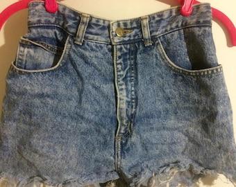 80s Guess acid wash cutoff shorts 27