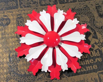 Enamel Flower Pin VINTAGE Red and White Enamel Pin Brooch FLOWER Large Enamel Flower Pin Brooch Ready to Wear Vintage Jewelry Supply (L163)