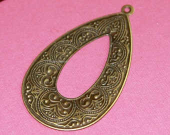 4 pcs of Antiqued brass teardrop with pattern 35x62mm