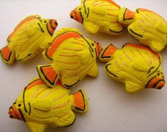 10 Large Tropical Fish Beads - LG174