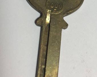 1 antique/vintage blank brass key