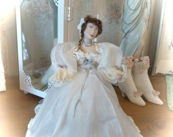 Dollhouse Lady Dolls 1:12 Miniatures unique, elaborately processed