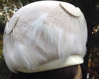 Vintage Ivory Wool Pillbox Hat Feather Doeskin Felt Michelle
