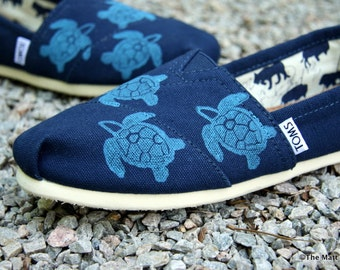 Custom Painted TOMS Shoes Sea Turtle Custom TOMS shoes, Girlfriend gift, Mom gift, Wife gift