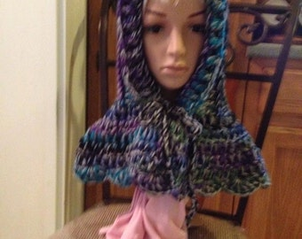 CROCHETED SCOODIE:Its a hood and cowl all in one