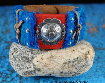 Sari Silk Ribbon Wrapped Leather Cuff with Silver Cabochon, Turquoise sari Silk Bracelet, Red Sari Silk Bracelet, Leather Cuff Bracelet