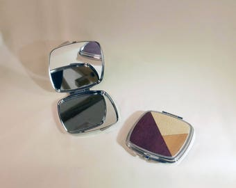 Pocket mirror with natural wood inlay