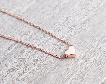 Tiny Rose Gold Heart Necklace, Tiny Heart Necklace, Rose Gold Heart Necklace, Heart Necklaces, Bijoux Minimaliste, Minimalist Heart Necklace