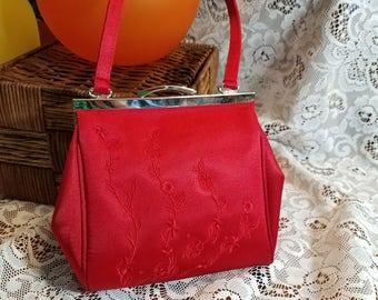 La Regale Red Evening Handbag Embroidered flowers