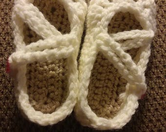 Mary Jane baby shoes in crochet