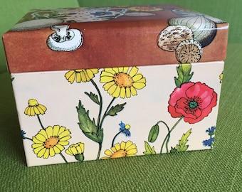 Vintage Retro 70s Stylecraft Floral Recipe Box/1978 Recipe Storage