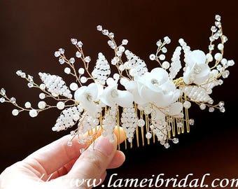 Hand cut Ivory white Flower Hair Clip, Wedding Hair Accessories, Gold Hair Accessory, White flower hair clip, White rose Bridal hair comb
