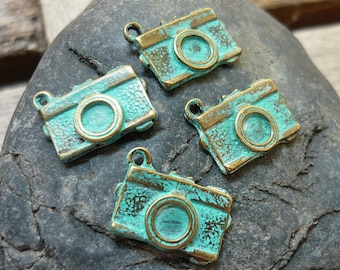 Handpainted Verdigris Patina Camera Metal Charms (18030) - 18x13mm