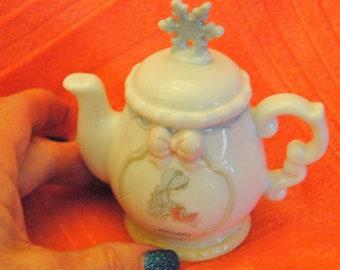 Precious Moments Enesco January Porcelain Tea Pot with Snw Flake