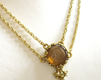 Vintage Intaglio Pendant Necklace, 1960s Glass Intaglio Pendant In the Style of Accessocraft, Victorian Style