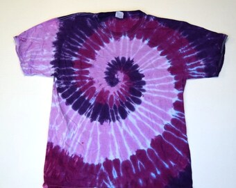 Tres Morados Spiral Tie Dye T-Shirt  (Fruit of the Loom Heavy Cotton HD Size L) (One of a Kind)