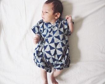 Baby Kimono, Jinbei, Romper for babies, INDIGO SANKAKU bébé, hand block printed fabric from India, made in France