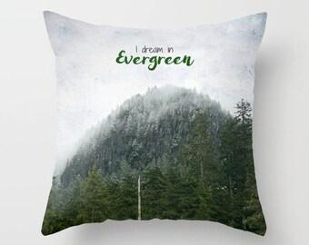 Kissenhülle, Home Decor, Immergrün Bäumen, Wildnis, PNW, Berg-Fotografie von RDelean