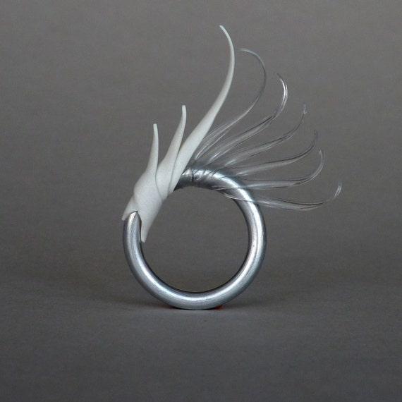 Elytron Shard - Multiplume Ring with soft white and clear spikes