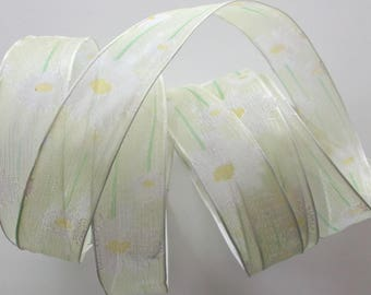 8 metres of Ribbon voile white daisies and green No. 1461