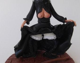 CARABOSSE SEXY en porcelaine froide