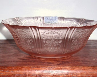 AMERICAN SWEETHEART MACBETH Evans Large Pink Depression Glass Bowl Vegetable Fruit Berry Crystal Excellent Condition