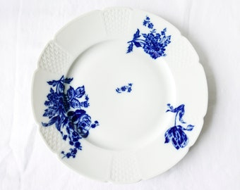 Limoges vintage plates-Made in France-Hand painted floral pattern-Vintage wall hanging plate-blue and white pattern