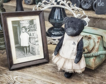 Vintage style teddy bear Ember