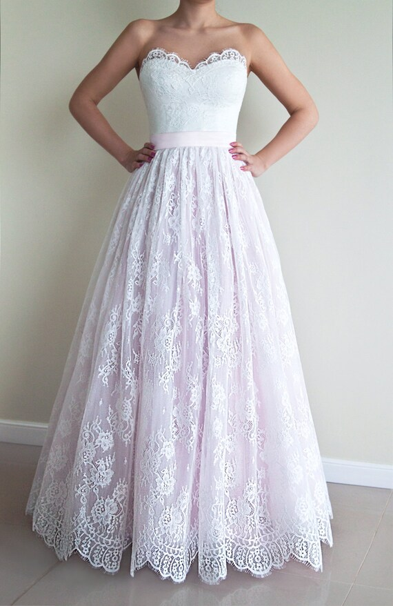 Wunderbar Erröten Rosa Brautkleid Fotos - Kleider und Blumen ...