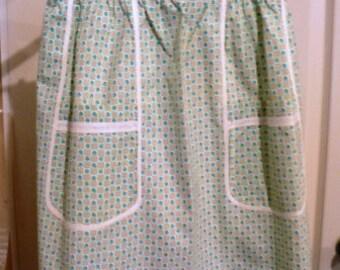 vintage apron ... pretty blue ROSES VINTAGE  APRON  ...