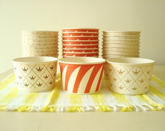 Vintage 8 oz. paper serving bowls, paper cups, dessert cups, ice cream cups, Dixie cups, Continental Can Co. and Holiday Cups of Milwaukee