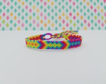 Friendshipbracelet-Hand made knotted friendship Band-macramé