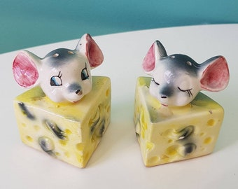 Vintage  Mid Century 1950s Salt and Pepper Mice with Cheese