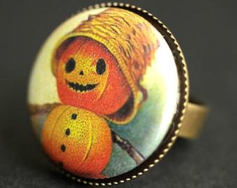 Halloween Pumpkin Man Ring. Pumpkin Ring. Graphic Button Ring. Halloween Ring. Adjustable Ring. Bronze Ring. Halloween Jewelry.