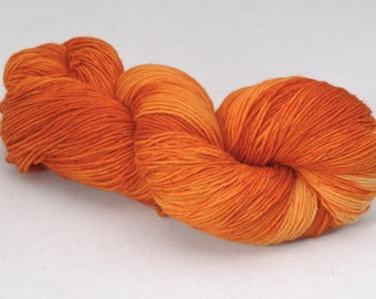 handdyed sockyarn superwash - wool/nylon mixture - fingering weight - colour s 219