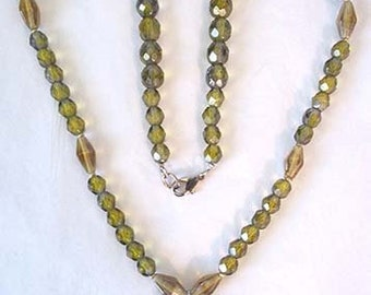 Green Jasper Pendant with Faceted Crystal Beads Necklace