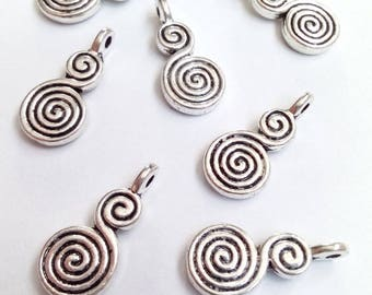 10 charms 17x8mm metal spiral