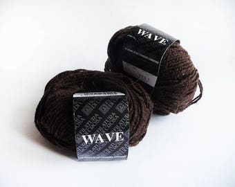 Set of 2 balls of yarn spinners working di Wave