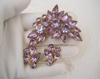 Kramer Alexandrite Brooch Pin Earrings Demi Parure Set Signed Changing Shades from Aqua Blue to Lavender