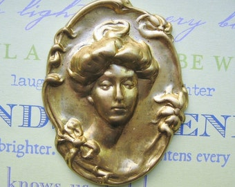 VIntage brass cameo elegant Victorian  large brass stamping (1)