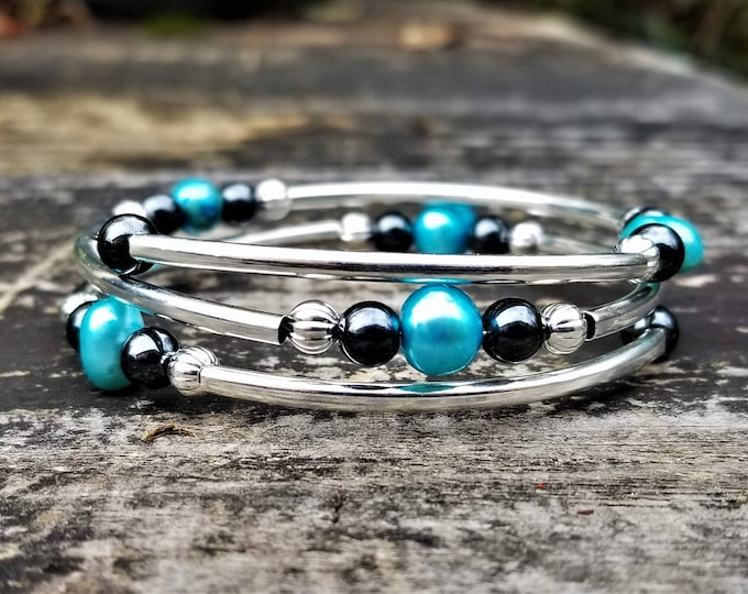 Irregular Teal Pearl Fight Night Memory Wire Bangle