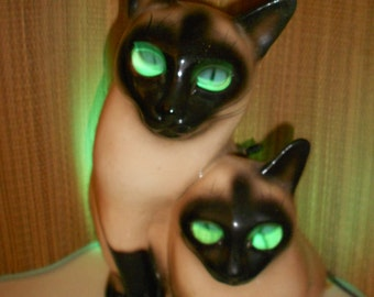 Attractive Cat TV Lamp   Claes Syamese 1954 Dated Vintage Siamese Cats  Made By LeLand  Claes