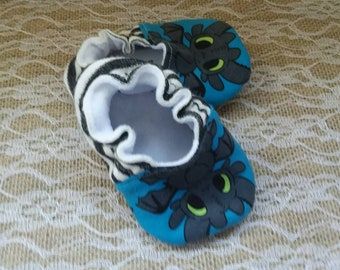 Handmade baby shoes, Soft sole shoes, baby booties, baby slippers--Dragons