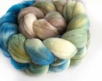 Pale Blue Dot - 100% Merino Combed Top - 4oz - Hand dyed Blue Green Top